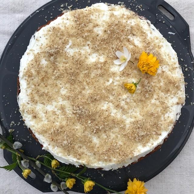 Vláčný mrkvový dort s tvarohem