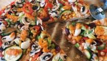 Velká barevná pizza