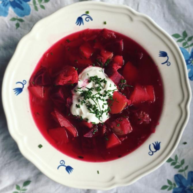 Očistná polévka z červené řepy