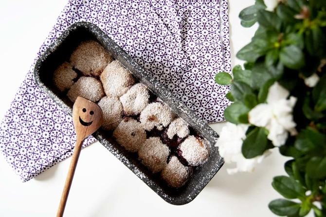 Pečené koláčky ze špaldové mouky s borůvkami