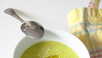 Nejrychlejší krémová hrášková polévka